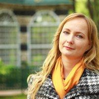 Фотосессия красивой 37 летней замужней девушки в Петергофе. :: Роман