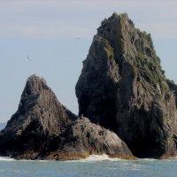 Скалы в Тихом океане :: Дмитрий Солоненко