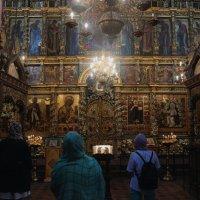 В храме :: Дмитрий Солоненко