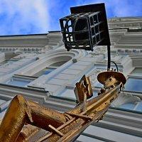 Осень и металл города :: Дмитрий Иванцов