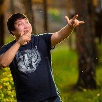 С пальца и по комарам )) :: Валерий Славников