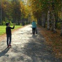 Девочка снимает осень! :: Елизавета Успенская