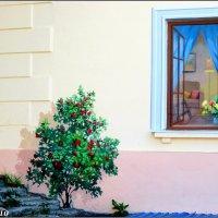 Уникальный дом (фрагмент декора) :: Нина Бутко