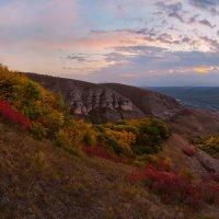 Цветная осень на холмах :: Фёдор. Лашков