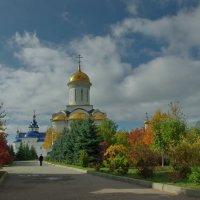 Золотая осень.В монастыре. :: * vivat.b *