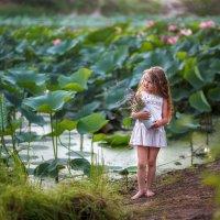 Озеро с лотосами :: Надежда Антонова