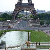 Париж. У Эйфелевой башни. :: Владимир Драгунский