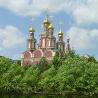 Церковь на Юго-Западе Москвы. :: Alexey YakovLev
