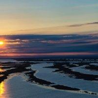 Зуевы ключи, разлив, утро. Восход солнца над Камой :: Владимир Максимов