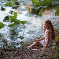 На озере с лотосами :: Надежда Антонова