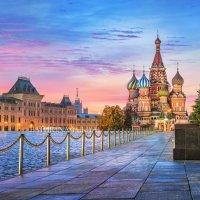 Собор Василия Блаженного и розовый рассвет :: Юлия Батурина