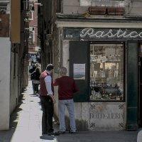 Venezia.Venezia. Pasticceria in Campo Santi Giovanni e Paolo. :: Игорь Олегович Кравченко
