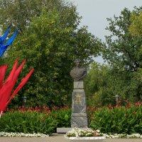 Памятник военному губернатору Оренбургского края В.А. Перовскому. :: Elena Izotova