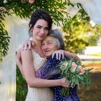 Невеста с любимой бабушкой :: Наталья Кузнецова