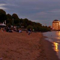 Вечер на пляже :: Nina Yudicheva