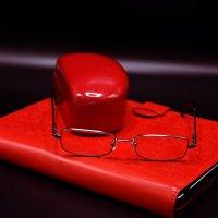 Просто так, красное на черном фоне :: Яков Геллер
