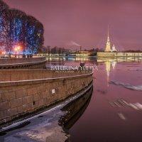 Розовое зимнее утро на Стрелке :: Юлия Батурина