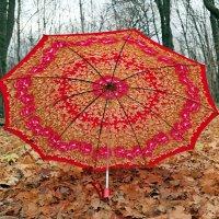 И не печалит дождик в октябре, когда идёшь с цветастым зонтиком в руке :) :: Андрей Заломленков