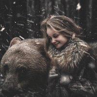 Алиса и медвежонок :: Андрей Дыдыкин