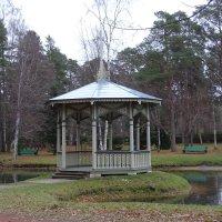Беседка в парке в городе Нарве-Йыэсуу :: Sabina