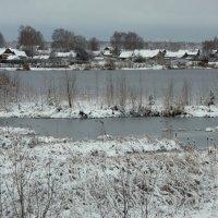 Тихо падает снег... :: Нэля Лысенко
