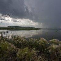 Гроза над озером. :: Владимир Пименов