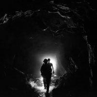 По шахте в низ Туимского провала :: Nikolay Svetin