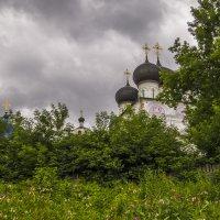 В Свято-Успенском Трифоновом монастыре :: Сергей Цветков