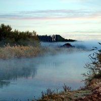 Утро на реке :: Vladimir Lisunov