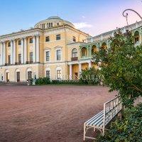 Дворец в Павловске и скамья :: Юлия Батурина