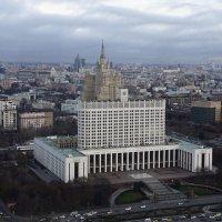 Пасмурная Москва ... :: Лариса Корженевская
