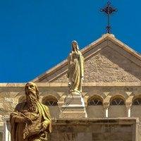 Церковь Святой Екатерины (фрагмент). Памятник Иерониму Стридонскому. :: Elena Izotova