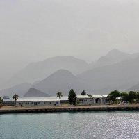 С высоких гор спускается туман :: Nina Karyuk