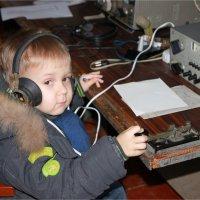 Молодой радист радиолюбитель :: Леонид Дудко