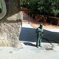 Барселона. Памятник архитектору Гауди. :: Владимир Драгунский