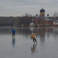 По первому льду :: Павел