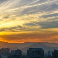 Закат над Сантьяго :: Владимир Жданов
