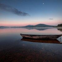 Луна над озером :: Fuseboy