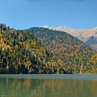 панорама озера Рица :: Валерий Дворников