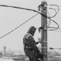 Деревенский электрик :: Андрей Щетинин