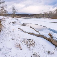 Замерзающая река :: Любовь Потеряхина