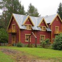 Красный дом :: Вера Щукина