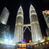 Башни Petronas. Куала-Лумпур. Малайзия :: Павел Сытилин