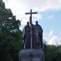 памятник Кириллу и Мефодию :: Галина R...