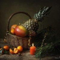 Новогодний на тюрморт с фруктами :: Ирина Приходько
