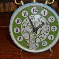 Старинные часы еще идут. :: Венера Чуйкова