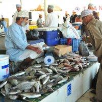 на рыбном рынке столицы Маскат :: Георгий А