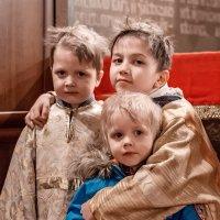 ...дети в алтаре /Москва 2018 :: Pasha Zhidkov