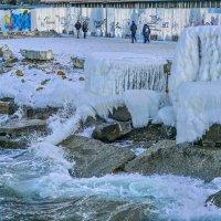Зимний прибой, Владивосток :: Эдуард Куклин