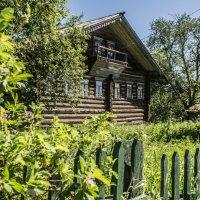 Старинный дом. :: владимир